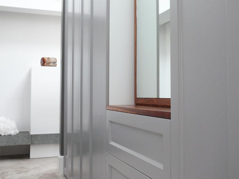 Walk in closet met spiegel