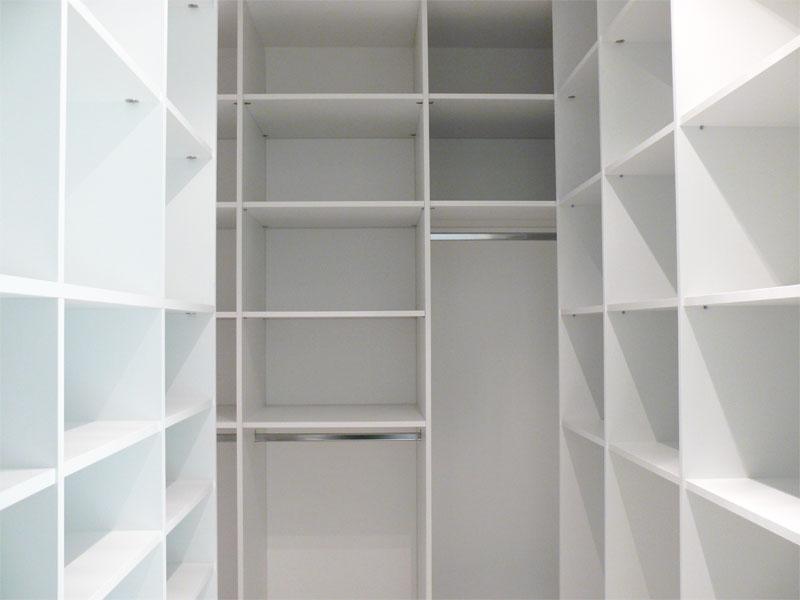 Ikea kasten of laten maken mijn kasten op maat - Kledingkast en dressoir ...