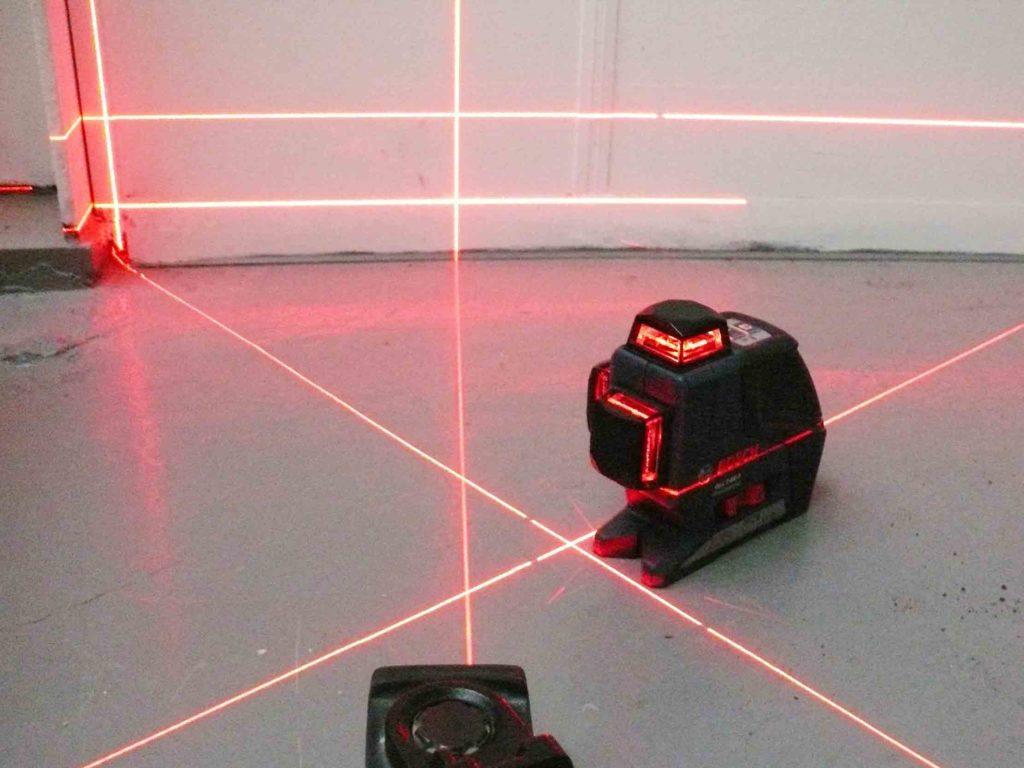 kast onder schuin dak laser inmeten