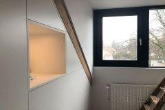 Zolder-Kast-Inbouwkast-Onder-Schuin-Dak-Kap-Schuine-Wand-Detail-Open-Vak-Baarn